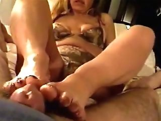Footjob With Gorgeous Feet And Jizm - Retro Clip But Excellent!