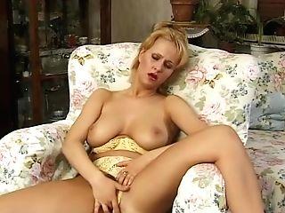 Buxom Mummy Unwrapping And Masturbating - Julia Reaves