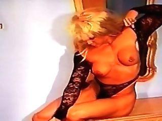 Mind Deepthroating Off Season Female Muscle Bombshell In Black (ldr)