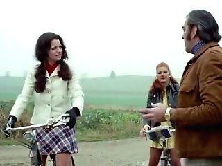 Blutjunge Verfuhrerinnen Trio.teil (1972)