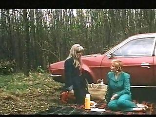 Une Epouse A Tout Faire (1980)