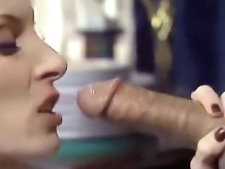 Experienced Mummy Gives Supreme Oral Job