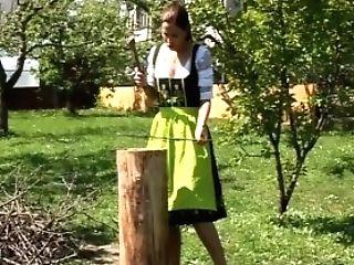 Cara - Bayrisches Dirndl Damsel - Hinter Den Kulissen Fsk18