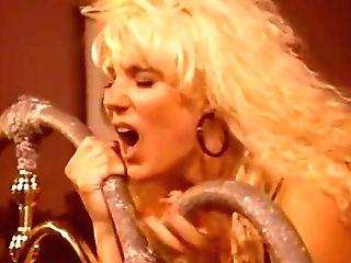 Melanie Moore, Madison - Black In The Saddle Again (1991)