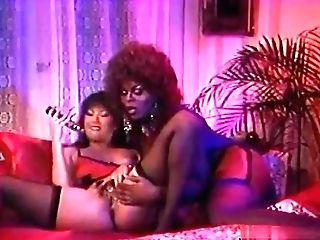 Black Stunner Makes Her Gf Reach Amazing Orgasms