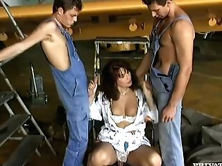 Valentina Has A Double Penetration Group Sex At The Airport