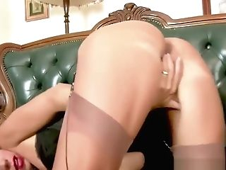 Dark Haired Cougar Finger-tickling Hairy Cunny In Basque Antique Nylons