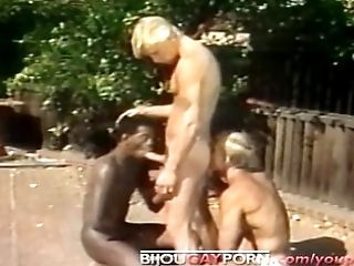 Outdoor Interracial Threeway and HIDDEN CAM - Old-school 80s Fag Porno STUDENT FIGURES