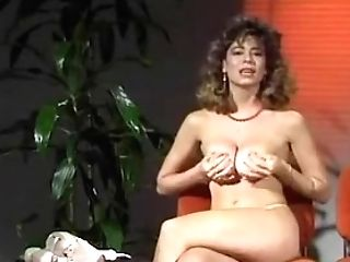 Christy Canyon Have Fun Whit Faux-cock