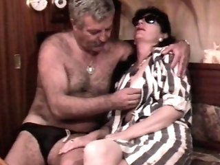 Antique French hump flick with a mature hairy duo