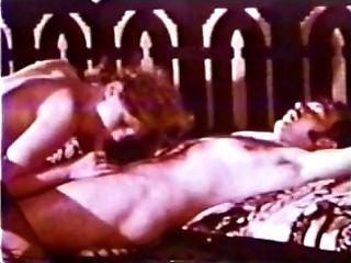 Peepshow Loops 419 70s and 80s - Scene three