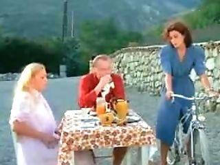 La Prof Ou Les Plaisirs Defendus (1982)