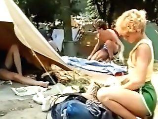 Le Camping En Folie (1981)