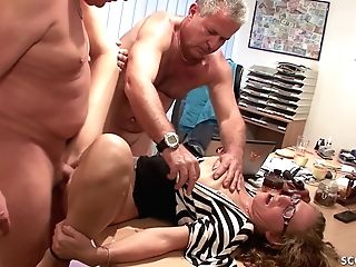 Two Old Guys Fuck Nubile With Glasses At Office - German Retro