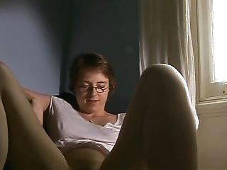 Woman and mature orgasmo masturbating apologise