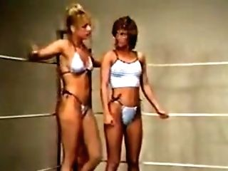 Golden Chicks Tag Team Match Shelly&stevie Vs Terri&mindy