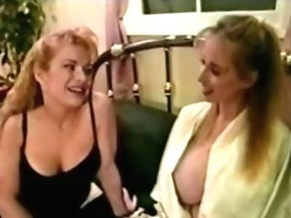 Wendy Whoppers Lesbos In Couch