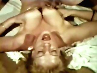 Lezzie Peepshow Loops 537 70s And 80s - Scene Two
