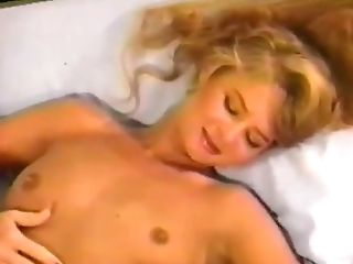 Hump Up The Volume (1991)